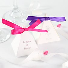 pyramid favour box with fuchsia ribbon
